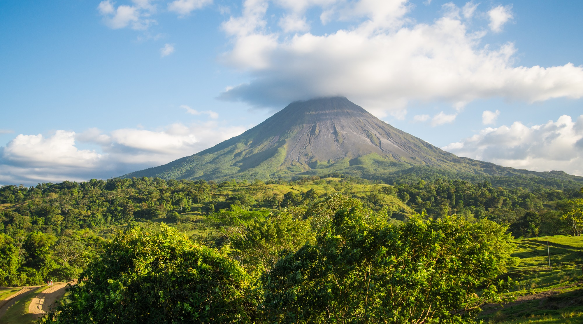 Arenal volcano: Relax next to a colossus